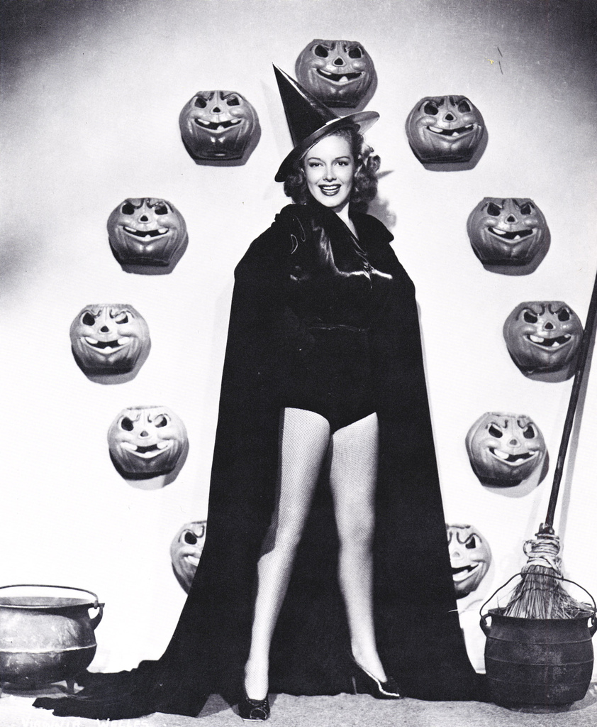Vintage halloween paper scrap 3 nice is life for Classic christmas films black and white